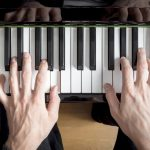 Conquistando a agilidade ao piano com a ajuda do Hanon