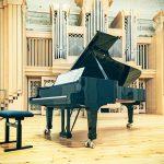 A reverberação nos pianos