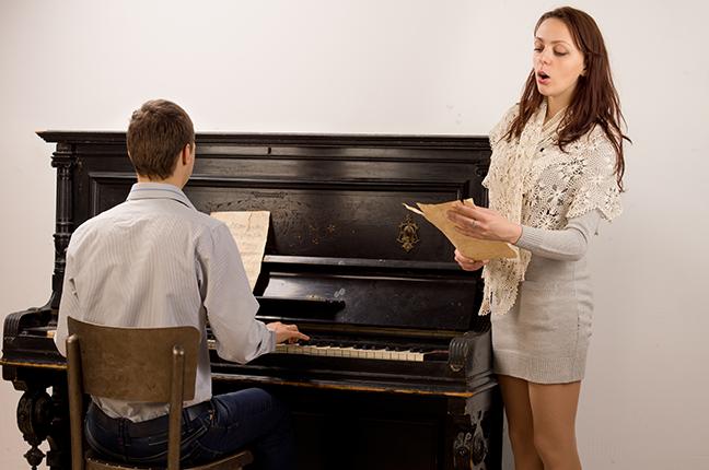 Como se acompanhar ao piano