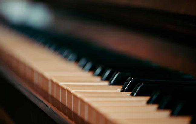Acabamento das Teclas do Piano