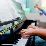 Aulas de piano: individuais ou em grupo?