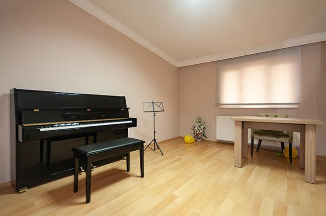 sala com piano