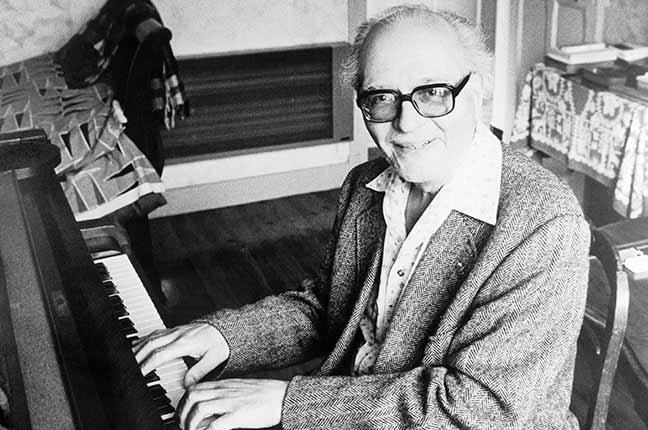 Olivier Messiaen tocando
