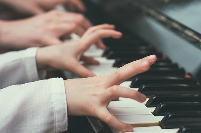 como estudar oitavas para piano