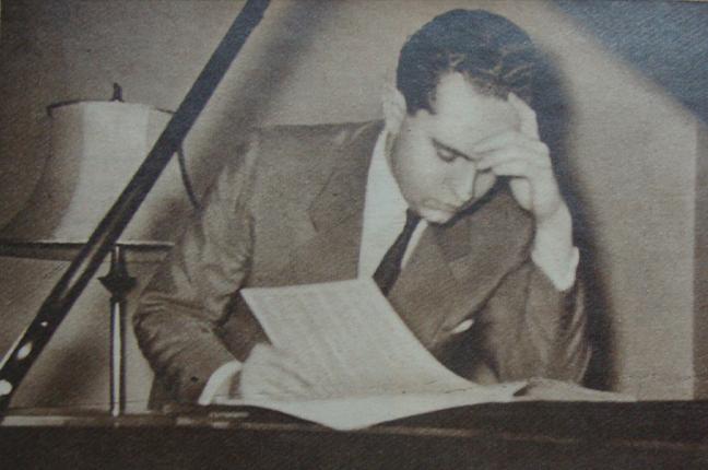 Jacques Klein estudando partitura