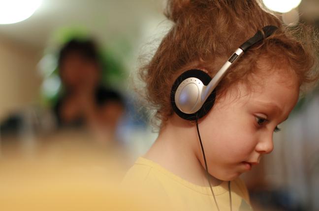 fone de ouvido do tipo supra-auricular