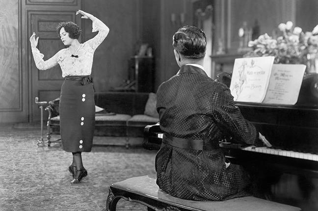 movimento corporal e estudo do piano