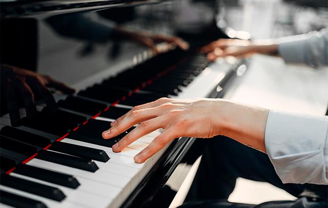 piano híbrido